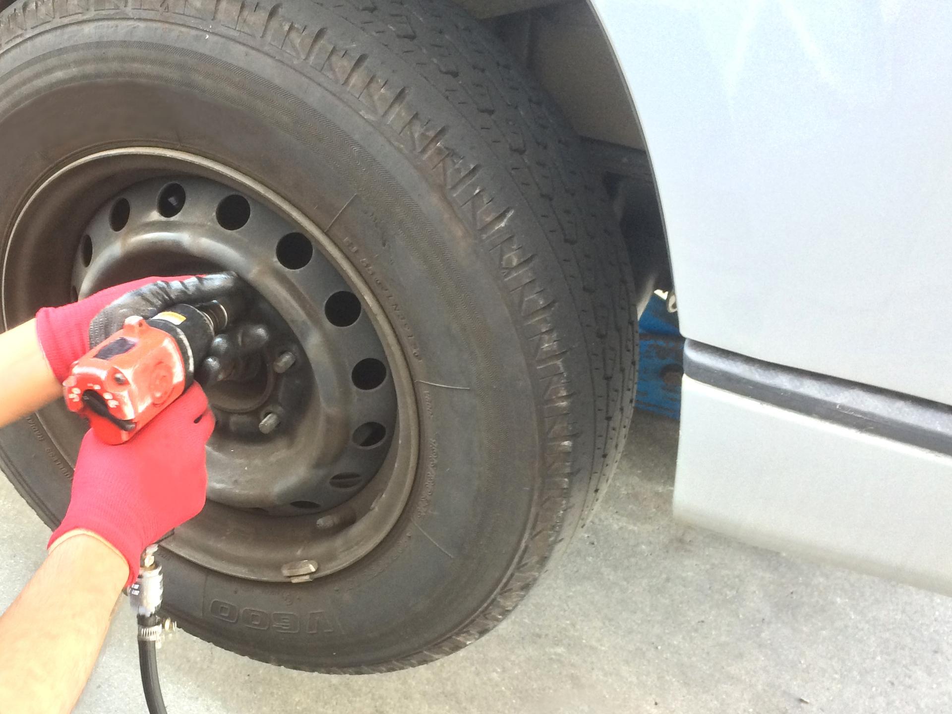 車検の時タイヤがひび割れしていたらどうなる?車検について