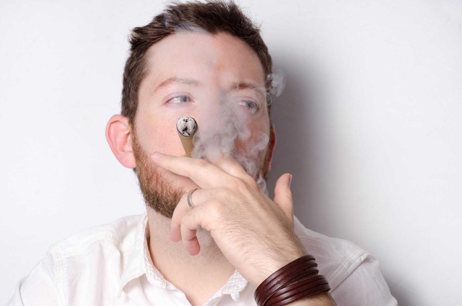 タバコの温度は火が付くと一気に○○度の高温になる!