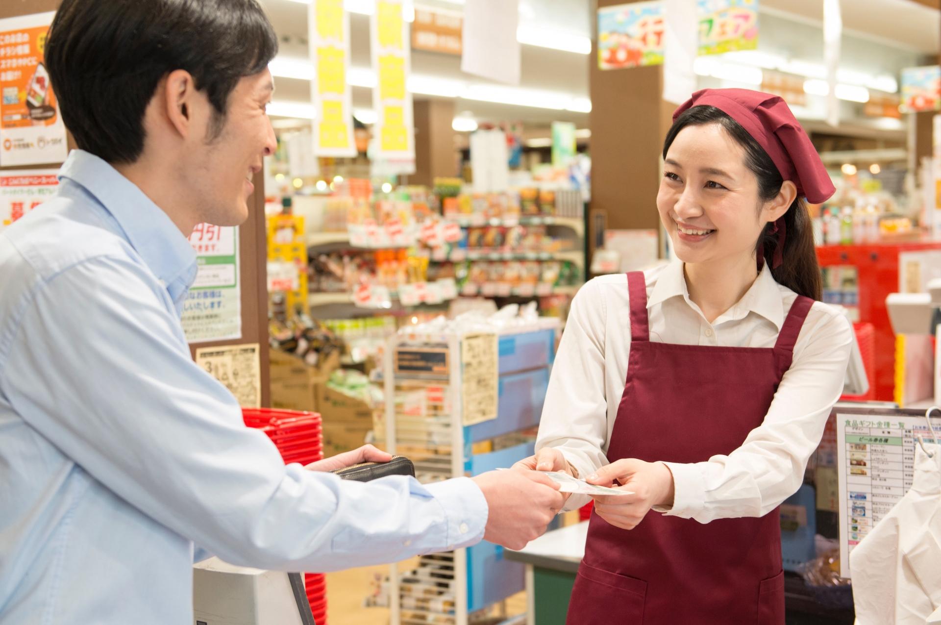 スーパーの店員が好き!効果的なアプローチ方法とNG行動