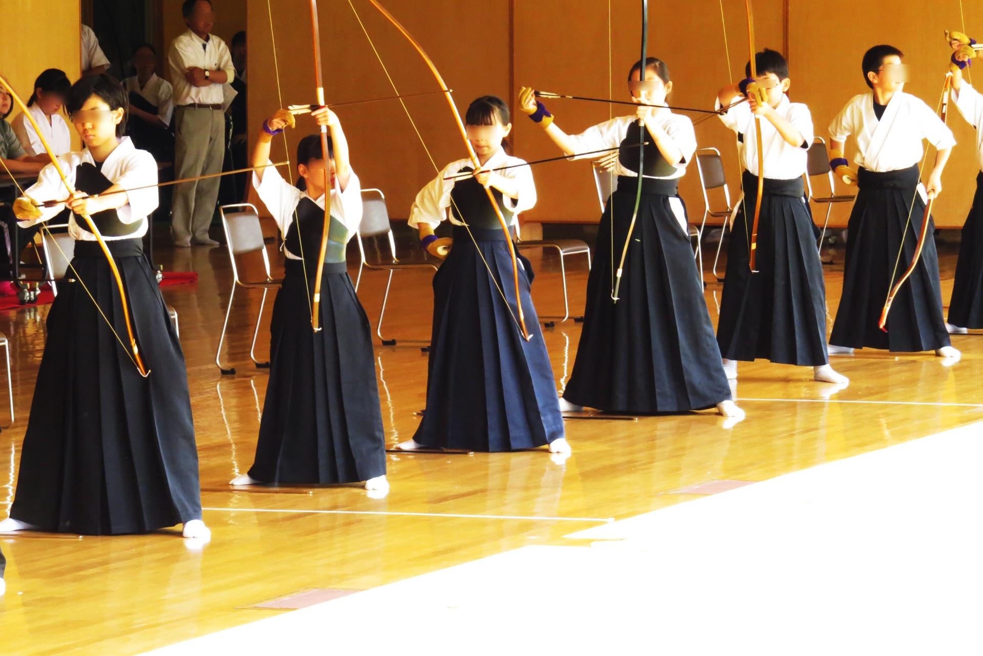弓道をやってみたい!初心者で高校から始める人もいますよ