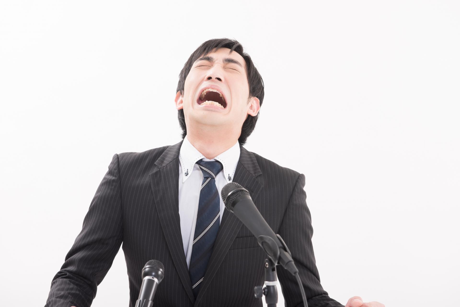 泣くと出る鼻水の止め方はある?鼻水が出る原因について