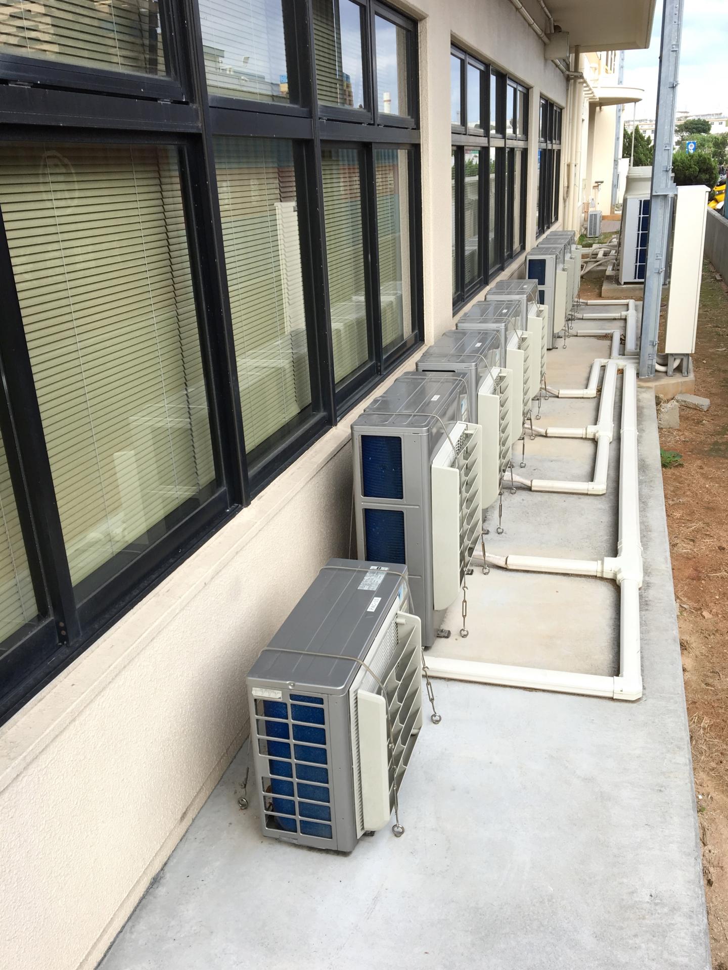 学校のエアコンの設定温度はどのくらい?設置理由について