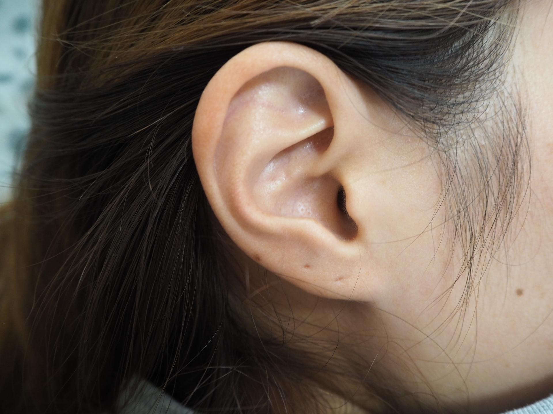 ピアスを2つ片耳につけるときのポイントや心理状態