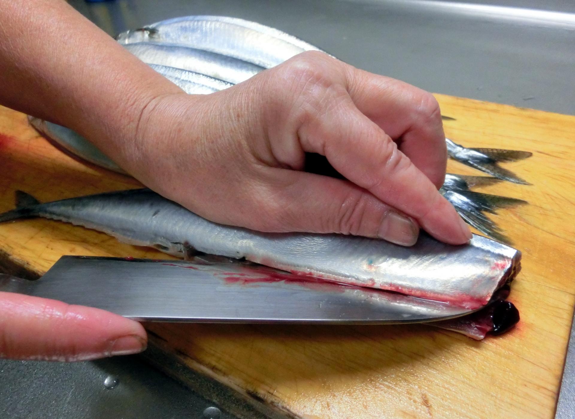 包丁で食材を上手に切る、切り方のコツを覚えよう!