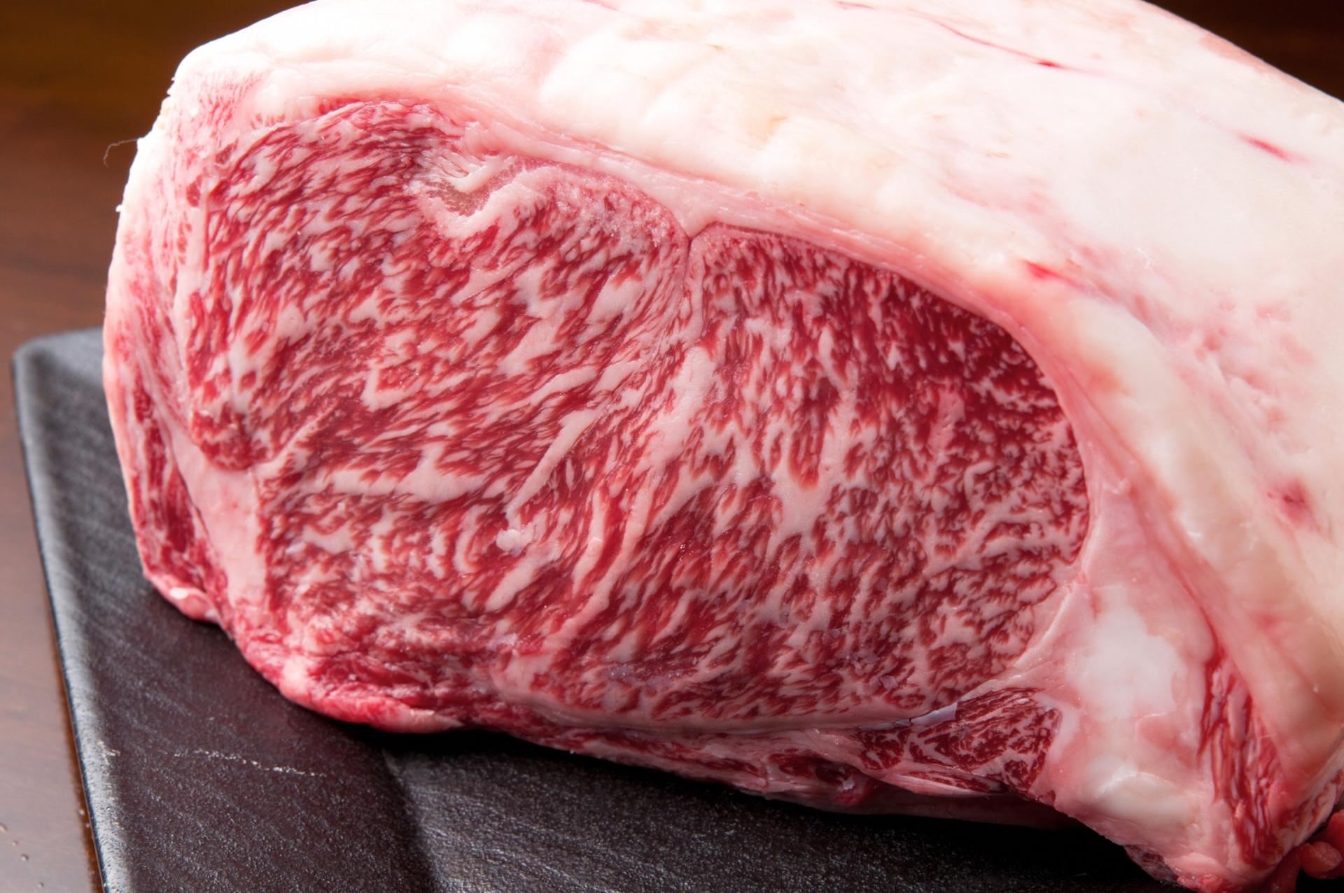 牛肉が臭いのは○○が原因だった!美味しく食べる調理方法