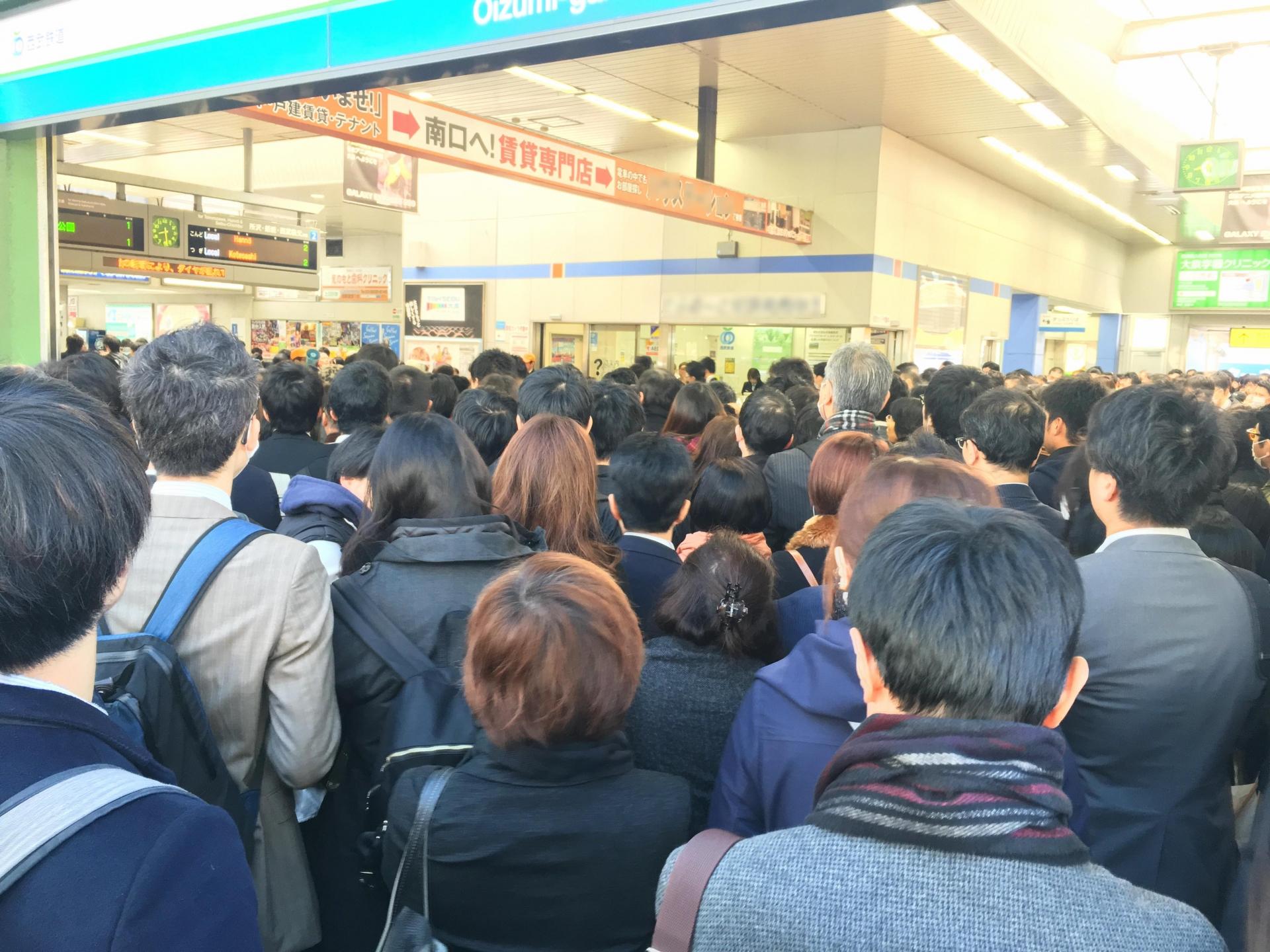 東京のラッシュアワーは予想以上!混雑する電車の乗り方