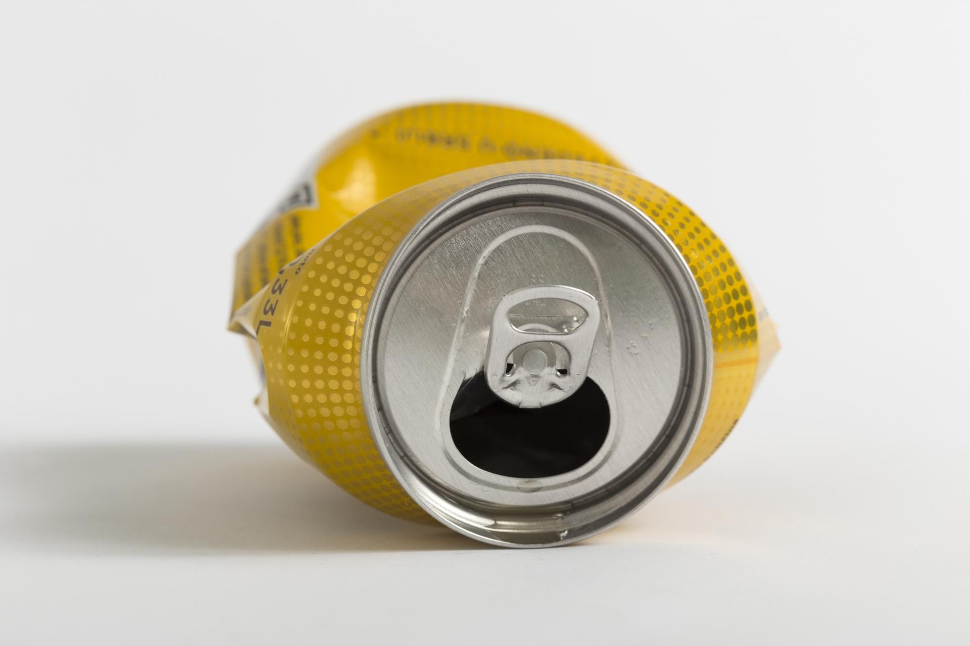 空き缶を灰皿代わりにした時は捨て方に注意をしましょう